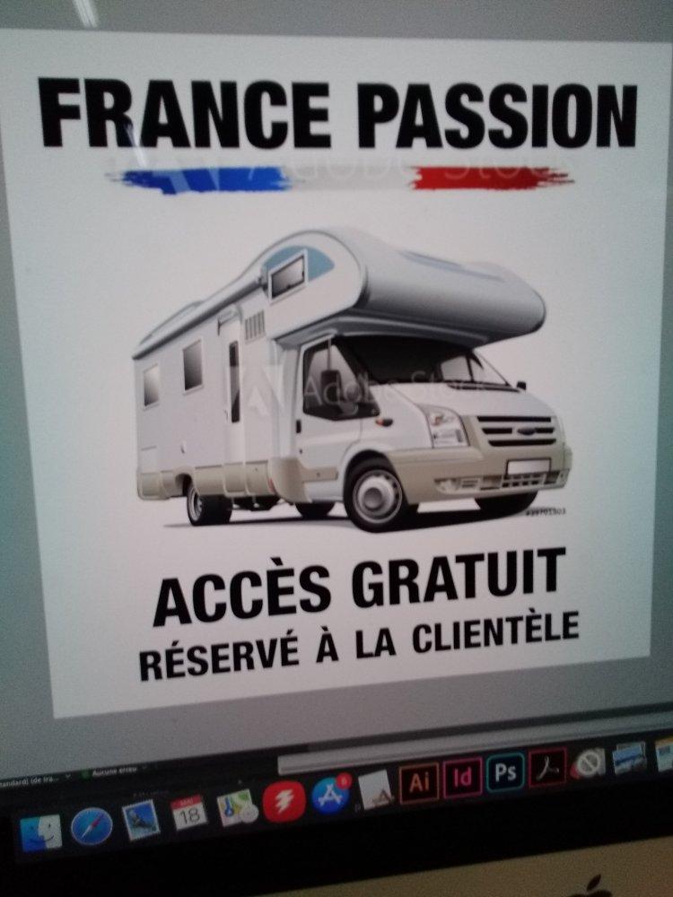 Aire camping-car à Courtils (50220) - Photo 2